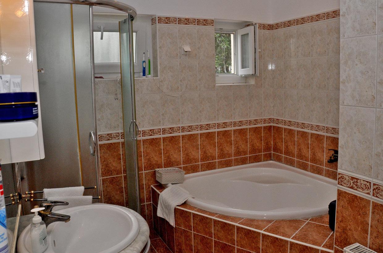 Földszinti apartman fürdőszoba