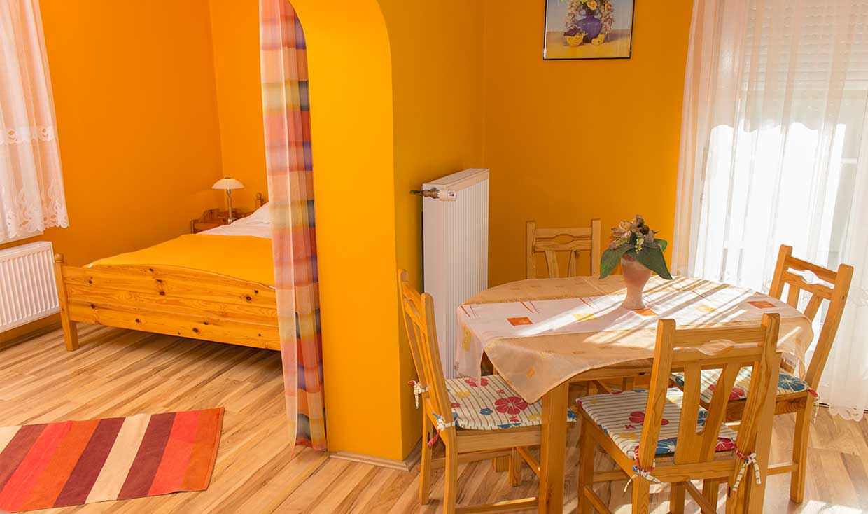 Szilvia Apartmanok mangó apartman